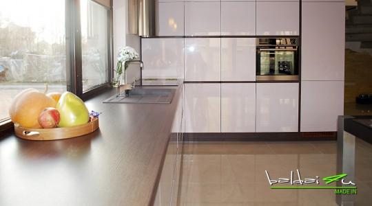 dideli virtuves baldai