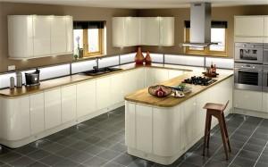 virtuvės-baldai-vaikam-saugi-virtuvė-300x187