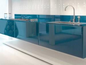 virtuves-baldai-dekoruotas-stiklas-4