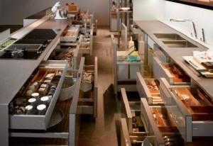 virtuvės spintelių erdvė