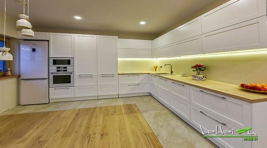 Klasikiniai baldai virtuves