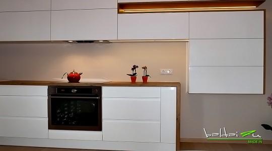 moderni virtuve, modernus virtuves baldai, dazyta virtuve, balta virtuve
