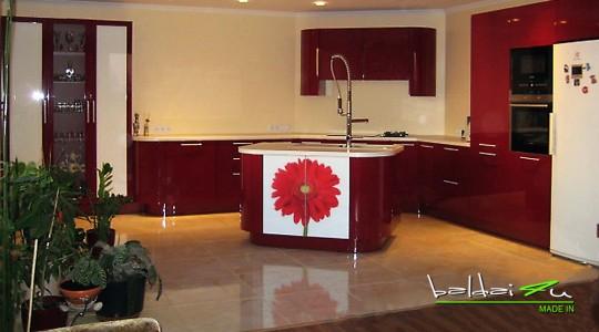 raudona virtuve